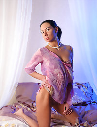 Sandra in the altogether on the bed hiding with her thin shirt hot teen girls pictures
